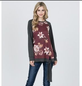 Tops - 🎉HP🎉GRAY FLORAL FRONT TIE TOP